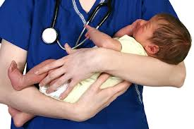 5 Benefits of Hiring a Baby Nurse for Your Newborn